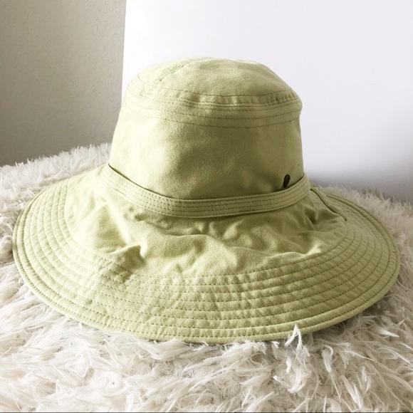 d1618d4d6c4 Helen Kaminski Accessories - Helen Kaminski Soft Green Mid Brim Cotton Hat!